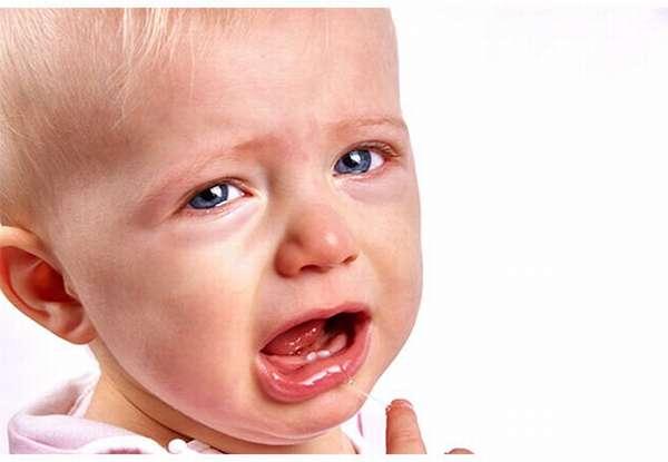 Бывает ли рвота при прорезывании зубов у ребенка — Детишки и их проблемы