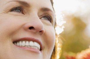 Фото: Белоснежная улыбка добавляет молодости и красоты
