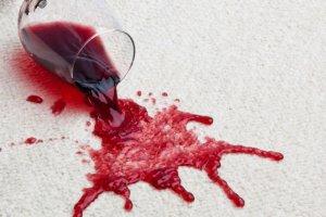 Фото: Продукты и напитки быстро влияют на цвет зубов