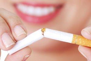 Фото: Лучший рецепт белоснежных зубов - отказ от курения